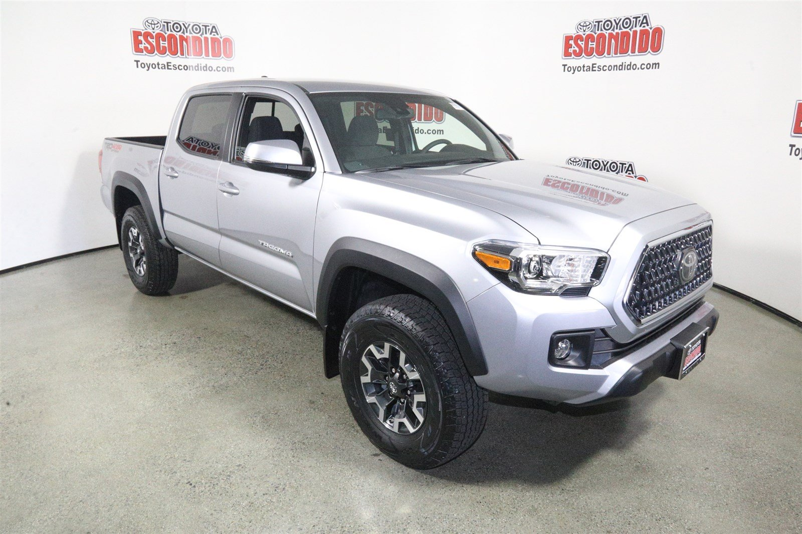 New 2018 Toyota Tacoma Trd Off Road Double Cab Pickup In Escondido