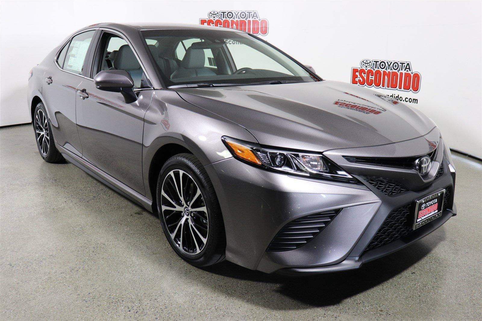 new 2018 toyota camry se 4dr car in escondido 1018016 toyota escondido. Black Bedroom Furniture Sets. Home Design Ideas