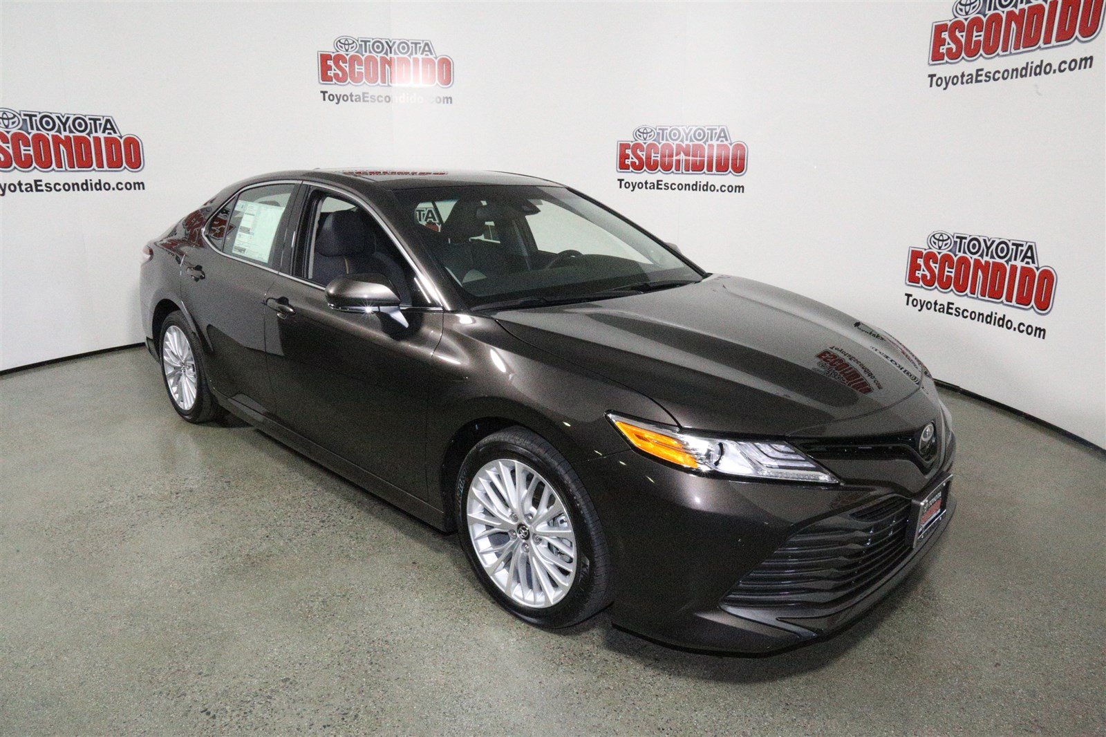 New 2018 Toyota Camry Xle V6 4dr Car In Escondido 1015242