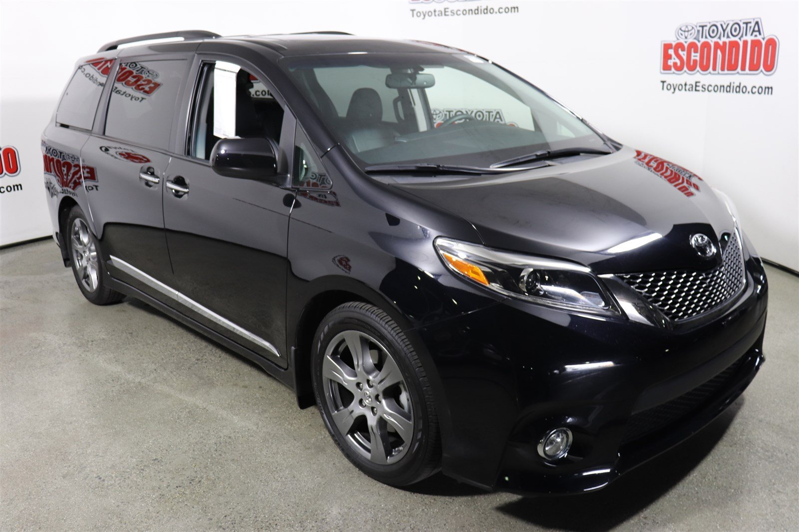 New 2017 Toyota Sienna Se Premium Mini Van Passenger In Escondido 1016849 Toyota Escondido