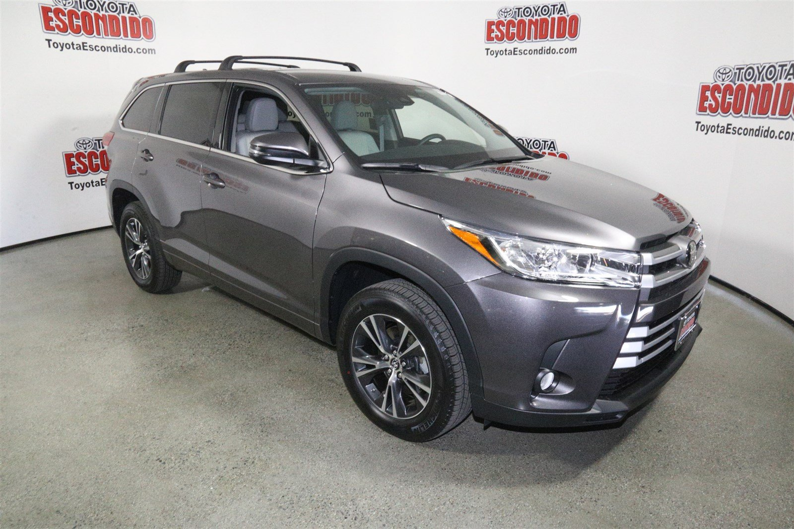 New 2018 Toyota Highlander Le Plus Sport Utility In