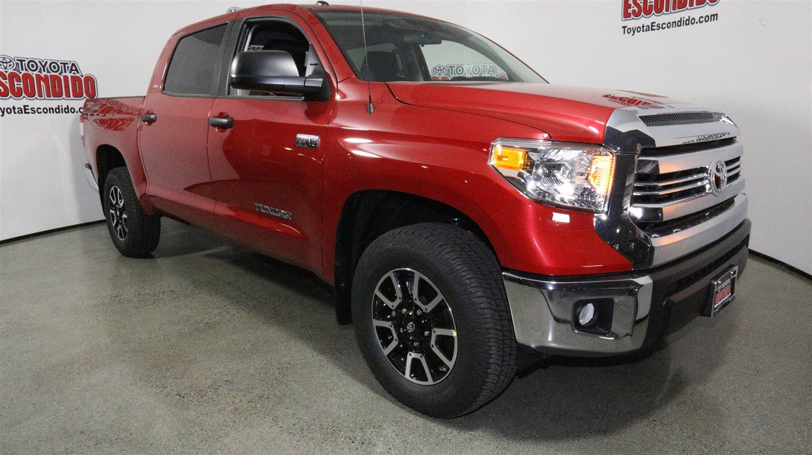 new 2017 toyota tundra sr5 4wd crew cab pickup in escondido hx647514 toyota escondido. Black Bedroom Furniture Sets. Home Design Ideas