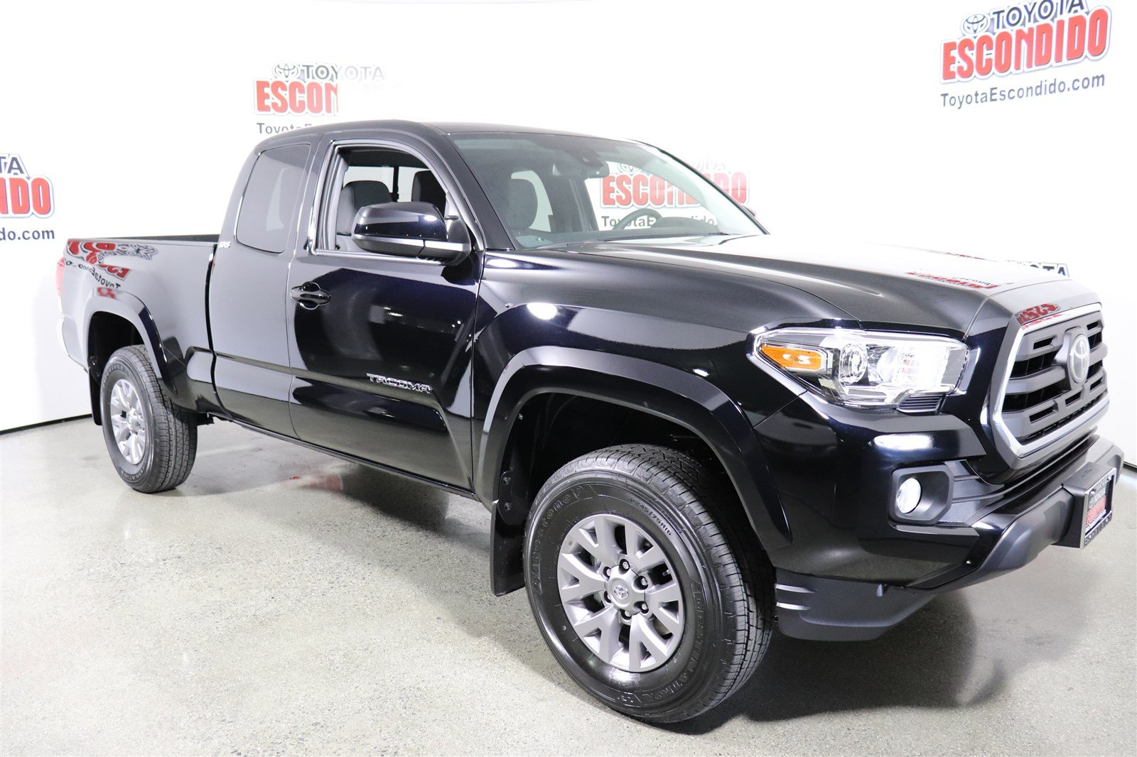 new 2018 toyota tacoma sr5 double cab pickup in escondido 1018806 toyota escondido. Black Bedroom Furniture Sets. Home Design Ideas