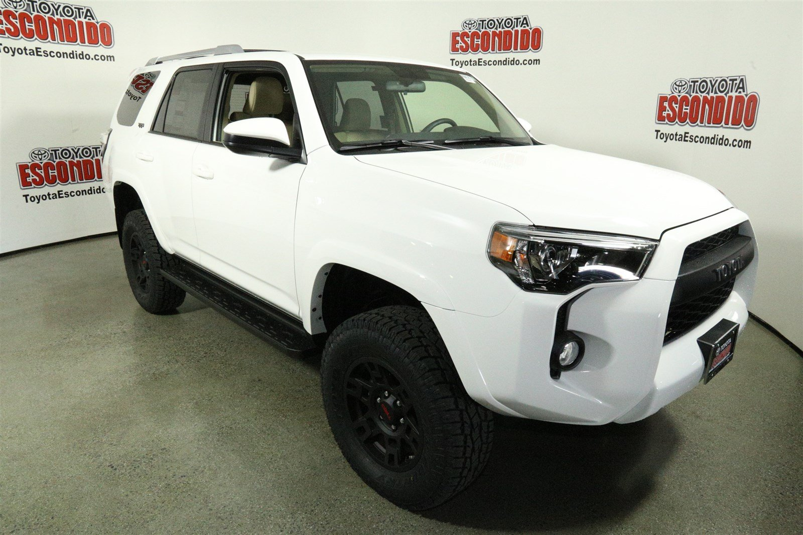 new 2018 toyota 4runner sr5 sport utility in escondido 1015858 toyota escondido. Black Bedroom Furniture Sets. Home Design Ideas